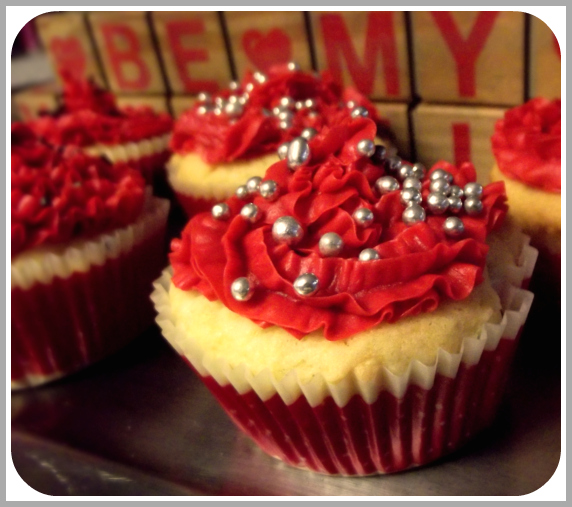 Valentine's Day, Cupcakes, Red frosting, baking