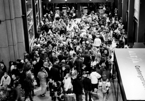 shopping crowds and deals