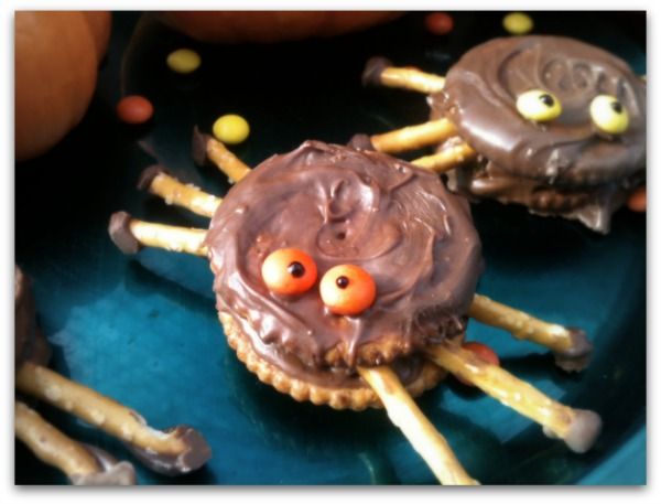 spider cake new england skillet corncake spooky spider cookies spooky ...