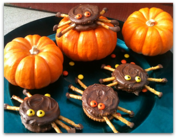 Spooky spider cookies with pumpkins