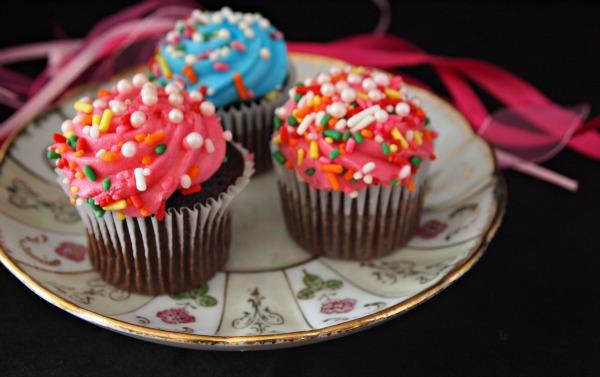 Princess movie night cupcakes
