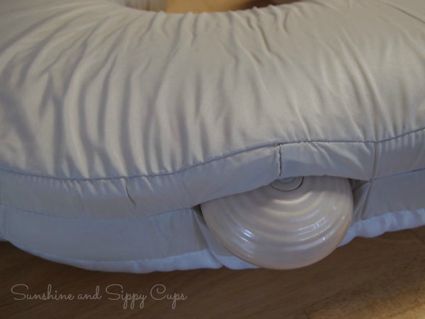 Vibration unit in nursing pillow