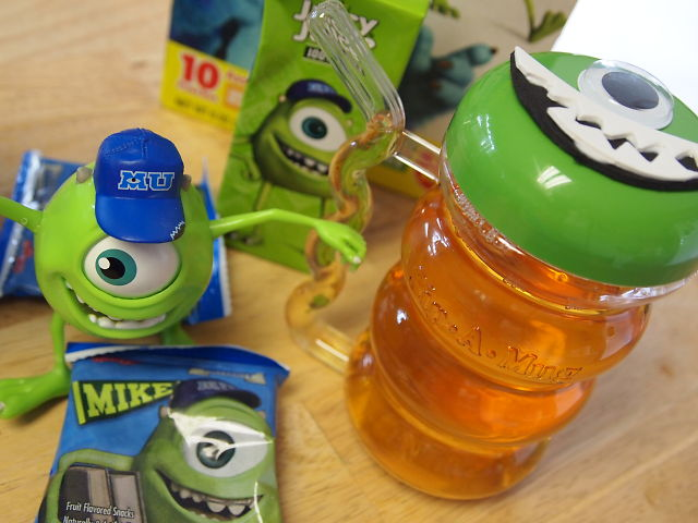 Mike Wozowski crafts and snacks