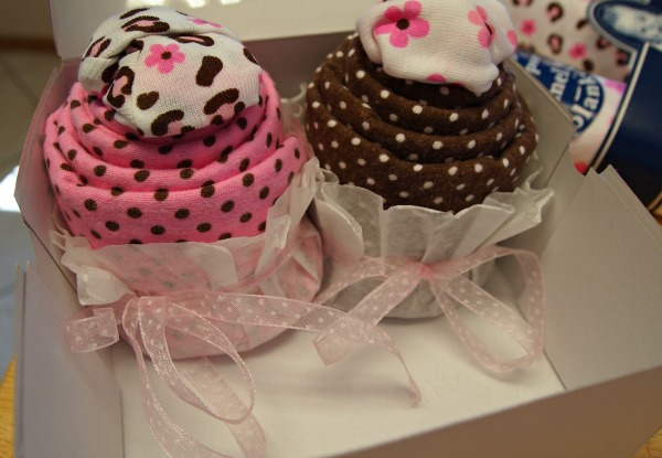 Homemade baby shower gifts - baby shower cupcakes