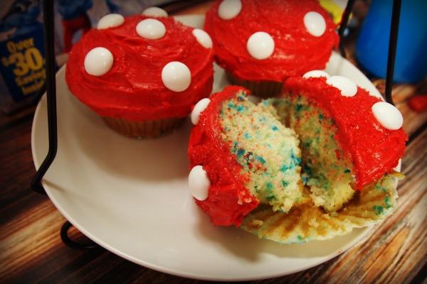 Smurf cupcakes - little mushroom cupcakes
