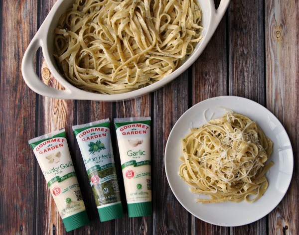 Gourmet Gardens Fresh Herbs make amazing pasta recipes! #15MinuteSuppers