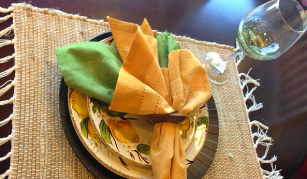Summer place setting idea - yellow and green