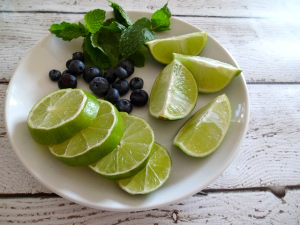 Garnishes for drinks - Blueberry Mojito - #Sweetnlowstars