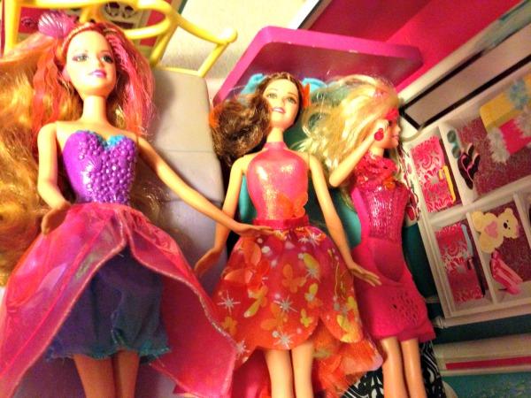 Sleepover dolls