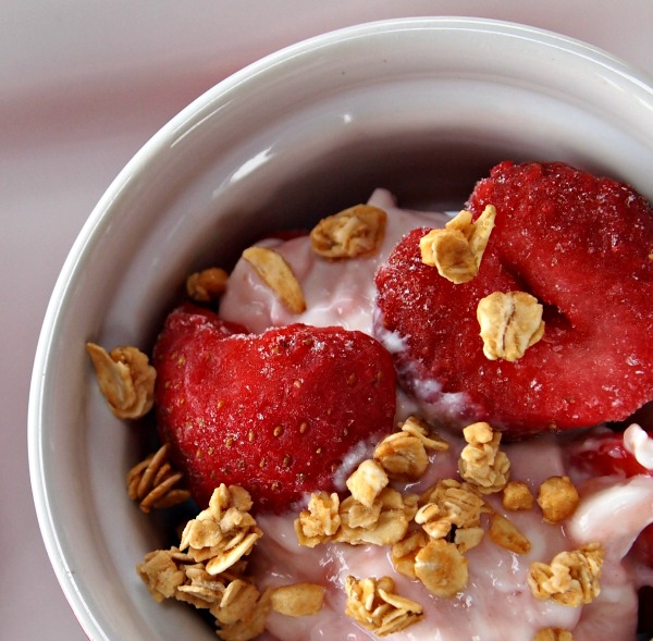 Weight Watchers yogurt parfait - only 4 points!
