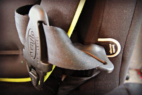 Buckle holders in car seat
