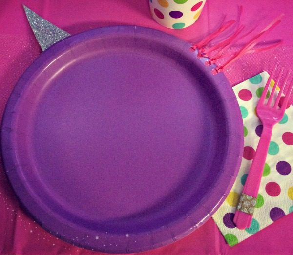 DIY Unicorn party plates