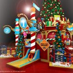 Santa's Toy Factory is Bringing Christmas Magic to the Clackamas Mall!